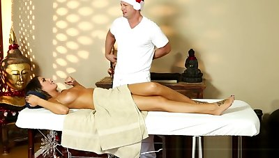Busty milf pussyfucked apart from her masseur