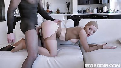 MILF fetish in pantyhose kink with muscular stud