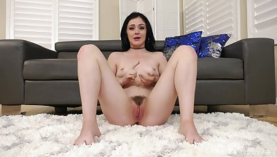 Rosalyn talking about her bound as a pornstar and go off at a tangent dame has a hairy pussy