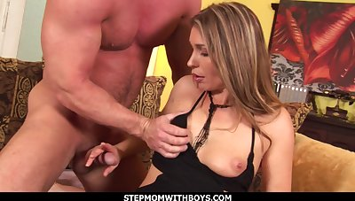 Racy MILF Pussy Gets Fucked By a New Boyfriend