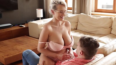 Sexy busty pulchritude in glasses Angel Wicky happily rides strong load of shit on top