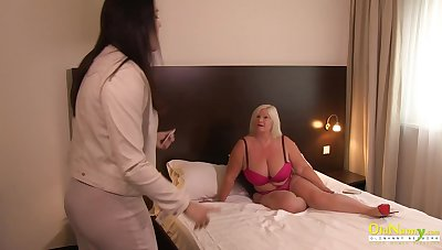 Older cougar british mature seduces lesbian milf for lusty pussy gnawing away showoff